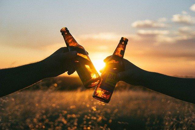 Uzależnienie od alkoholu – Jak pomóc dziecku?